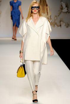 Fendi Spring 2011 Ready-to-Wear Fashion Show - Daria Strokous