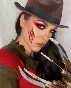 Cute Halloween Makeup, Cute Makeup, Halloween Make Up, Halloween Costumes, Halloween Halloween, Halloween Outfits, Freddy Krueger Costume, Freddy Costume, Horror Movie Costumes