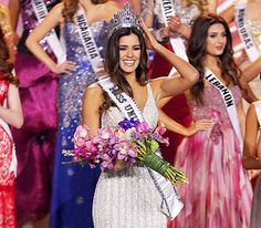 Miss Colombia Paulina Vega beat out 88 other gorgeous contestants and took home the title of Miss Universe 2015 on Sunday Jan 25 - finalists pics Miss Universe Dresses, Miss Universe 2014, Gabriela Vergara, Sofia Vergara, Beautiful Moments, Beautiful People, Miss Colombia, Latina Girls, Miss World