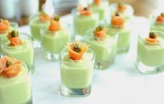 Recipe to prepare a tasty courgette mousse with basil to serve cold as an appetizer: remember courgettes are very suitable for … - Lombn Sites Toast Pizza, Tapas Party, Cooking Chef, Antipasto, Finger Foods, Entrees, Vegan Recipes, Appetizers, Food And Drink