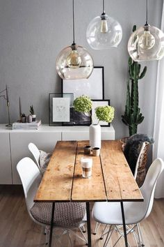 Dining tables for every living style and budget - LIVING CLOTHING - Wohnaccessoires ♡ Wohnklamotte - The table in the dining room or in the kitchen is the focal point of the apartment. But which table - Decor Room, Living Room Decor, Diy Home Decor, Home Decoration, Room Decorations, Wall Decor, Diy Esstisch, Esstisch Design, Estilo Interior