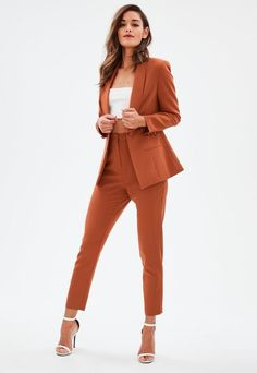 22 Elegant Clothes Trending Today - Elegant Clothes has never been so Lovely! Since the beginning of the year many girls were looking for our Outstanding guide and it is finally got released. Now It Is Time To Take Action! Casual Work Outfits, Professional Outfits, Office Outfits, Work Attire, Classy Outfits, Cute Outfits, Formal Outfits, Sporty Outfits, Dress Formal