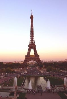 Discovered by Find images and videos about paris, france and eiffel tower on We Heart It - the app to get lost in what you love. Paris 3, I Love Paris, Pink Paris, Montmartre Paris, Places To Travel, Places To See, Torre Eiffel Paris, Paris Wallpaper, Beautiful Paris