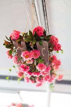 20 + Hanging Wedding Flowers featured on www.modernwedding.com.au // Mondo Floral Designs