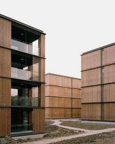 e2a - Escherpark housing, Zürich 2015. Wooden Facade, Metal Facade, Building Facade, Building Design, Architecture Résidentielle, Student House, Facade Design, Zurich, Places