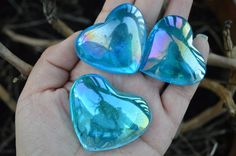 This is a listing for Large (ONE) Aqua Aura Heart Quartz Stone. The size is about 50mm. ##Please check the 3rd picture. As you can see from the 3rd pictures, there can be aura line on the crystal so b