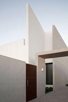 Casa Ovalle-Salinas by Jorge Figueroa Asociados | HomeDSGN.