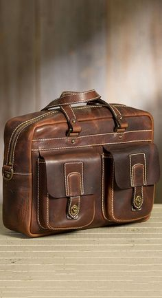 The Americana CEO Briefcase showcases the meticulous craftsmanship of yester-year with all the technical know-how of today. Our full-size le...