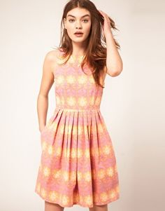The print of this skater dress reminds me of flock wallpaper in old school Indian restaurants and my mum's 1970s saris.