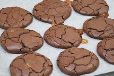 Småkaka med smak av kladdkaka & dumlekola | Bakverk och Fikastunder