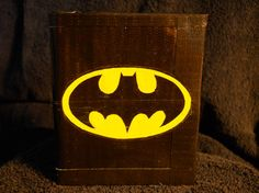 Boys could make this one for bubba Duct Tape Projects, Washi Tape Crafts, Duck Tape Crafts, Cute Crafts, Crafts To Do, Diy Crafts, Duck Tape Wallet, Batman And Batgirl, Tape Art