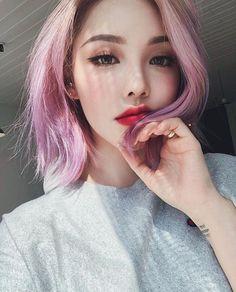 9 Korean Makeup Looks – My hair and beauty Korean Makeup Look, Asian Makeup, Pony Makeup, Hair Makeup, Pony Korean, Girl Hair Colors, Grunge Hair, Pink Hair, Makeup Inspiration