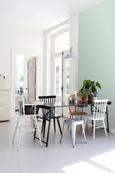 Esta Home Scandi Cool behang 139107 voordelig kopen? Dining Chairs, Dining Table, Outdoor Furniture Sets, Outdoor Decor, Delft, Marrakech, Cool Stuff, Interior, Inspiration