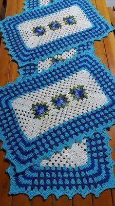 Crochet Kitchen Rug: Sets of Rugs and Walkthroughs Crochet Kitchen Rug: Sets of Rugs and Walkthroughs Crochet Kitchen, Kitchen Rug, Crochet Home, Filet Crochet, Crochet Doilies, Afghan Crochet, Crochet Table Mat, Crochet Carpet, Crochet Edgings
