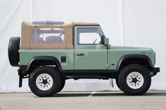 Land Rover Defender 130, Defender 90, Landrover Defender, Overland Gear, Expedition Vehicle, Cute Cars, Toyota Land Cruiser, Vintage Cars, Landing
