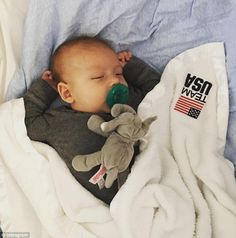 Michael Phelps' son Boomer makes a splash on Instagram as swimmer prepares for Rio Olympics | Daily Mail Online