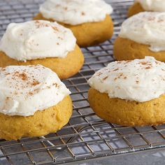 Try this Pumpkin Spice Cake Cookies recipe by Chef Anna Olson. This recipe is from the show Bake With Anna. Anna Olson, Pumpkin Cookie Recipe, Pumpkin Spice Cookies, Pumpkin Recipes, Best Sugar Cookies, Cake Cookies, Lemon Cookies, Cupcakes, Perfect Snickerdoodle Recipe