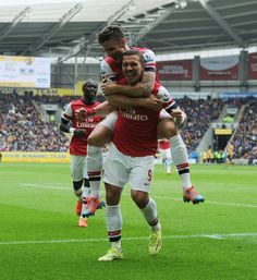 Podolski   Giroud Arsenal Football 5f9acc61e