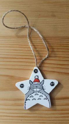 Addobbo natalizio Totoro di IsolaSospesa su Etsy