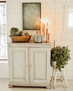 West Michigan Interior Designer, Liz Marie, shares her rustic fall entryway in a small space to help you get inspired for autumn. Fall Home Decor, Autumn Home, Happy Autumn, Soft Autumn, Seasonal Decor, Holiday Decor, Autumn Inspiration, Porches, Decorating Your Home