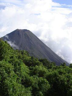 My feeble attempts at amateur photography: Volcano in El Salvador