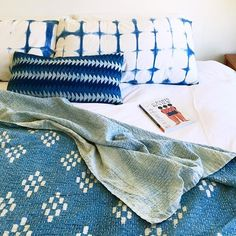A very indigo nap time in the dezzz. 🛏🔷🔹📖😴 Planning our fall block printing + dyeing workshops at #flattopprojects and will announce dates 🔜!