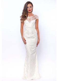 Rochie de mireasa lunga din dantela si tafta ivoire. Rochia are design tip sirena in partea de jos, bust din tafta sifermoar ascuns pe lateral. Wedding Dresses, Design, Fashion, Bride Dresses, Moda, Bridal Gowns, Fashion Styles, Weeding Dresses