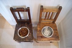 Antique children's chairs become dog dish holders. Dishfunctional Designs: Upcycled: New Uses for Old Chairs Diy Projects For Dog Lovers, Animal Projects, Old Chairs, Small Chairs, Dining Chairs, Ikea Chairs, Black Chairs, Folding Chairs, Vintage Chairs