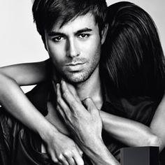 """Heartbeat"" by Enrique Iglesias and Nicole Scherzinger Enrique Iglesias, Ricky Martin, Shakira, Gorgeous Men, Beautiful People, Perfect People, Beautiful Beautiful, Pretty People, Beautiful Things"