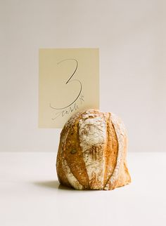 Bread Table Setting Ideas - This has always been what I want. I would like bread and cheese wheels to decorate my wedding tables