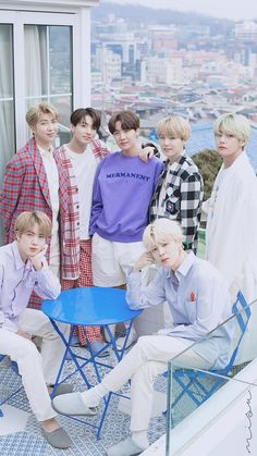 Jimin is mad b Yoongi has his arm around Hoseok, Taekook is holding hands, and Jin is mad bc Namjoon doesn't have his arm around him. Bts Taehyung, Bts Bangtan Boy, Bts Jimin, Namjoon, Seokjin, Bts Lockscreen, Foto Bts, Btob, Bts Group Photos