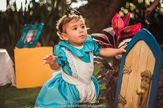 Smash the cake Alice no pais das maravilhas Estúdio Adão Ferreira Fotos: Gabriel Borba e Lanna Nigro www.adaoferreiraferreirafoto.com 11 3733-4787 e 9.8049-4715 (whats)
