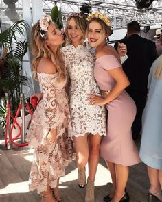 Spring Racing style by Lisa Hamilton, Tully Smyth & Stephanie Smith Ladies Day Outfits, Race Day Outfits, Derby Outfits, Kentucky Derby Fashion, Kentucky Derby Outfit, Dresses For The Races, Dresses For Work, Summer Dresses, Day At The Races Outfit