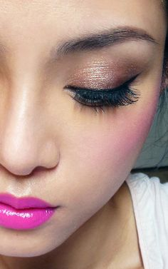 The Makeup Box: Popster: Fuchsia Lips with Warm, Romantic Neutral Eye (Good for Mono-Lids and Smaller Eyes