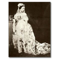 On the February Queen Victoria married Prince Albert of Saxe-Coburgh and Gotha. Queen Victoria wore a white wedding dress made of silk sati. Queen Victoria Wedding Dress, Queen Victoria Family, Queen Victoria Prince Albert, Queen Victoria Crown, Regency Wedding Dress, White Wedding Gowns, White Bridal, Wedding Veil, Blue Wedding