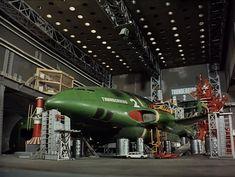 Thunderbird 2 in Tracy Island hanger. Timeless Series, Thunderbirds Are Go, Sci Fi Models, Sci Fi Ships, Cult, Cartoon Tv, Retro Toys, Old Tv, Retro Futurism