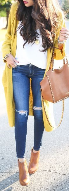 Love the long cardigan over a crisp white T! Also the purse is divine!! And love the gold charm necklace too!!