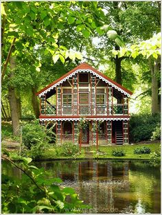 Fairytale house... would make the perfect hideaway house when the world becomes too much.