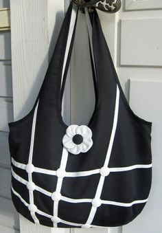 Ulla's Quilt World: Quilted bag - black and white