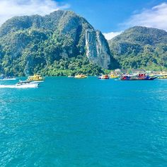 Bye bye Phi Phi, a couple of days was enough - #travelblogger #blogginggals #thailand  ✈️  Maybe I could have had a better time in Phi Phi but unfortunately me and my partner both got ill and it ruined things a bit. I'm not going to absolutely slate Phi Phi because there are some beautiful hidden gems here but I'm overly put off by the sky high prices and crowds of party tourists. Accommodation, food and trips are so expensive in comparison to other Thai islands and for the life of me I