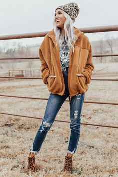 Slip Into Winter Jacket In Camel Outfits For Teens, Trendy Outfits, Cute Outfits, Work Outfits, Teenager Outfits, Snow Outfit, Casual Winter Outfits, Women's Casual, Fall Beach Outfits