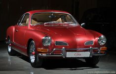 Bild från http://www.carpictures.com/pics/full/10DE8451329475AA/Volkswagen-Karmann-Ghia-Custom-Coupe-1972-10DE8451329475AA.jpeg.