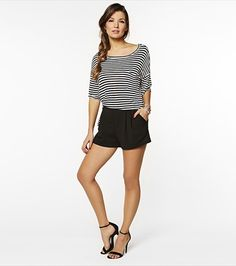 Look nautical-chic in this striped t-shirt and soft crepe shorts. Love the simplicity of this look ! Soft Shorts, Casual Shorts, Latest Dress, Virtual Closet, Online Shopping Clothes, Nautical, What To Wear, Style Me, Naked