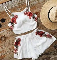 Floral Embroidery Crop Top Shorts Set