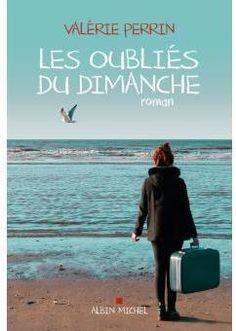 Critiques, citations, extraits de Les oubliés du dimanche de Valérie Perrin. Justine, vingt et un ans, est aide soignante dans une maison de retrai...