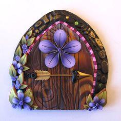 sandylandya@outlook.es Fairy Door Pixie Portal with an Elf Bolt by Claybykim on Etsy