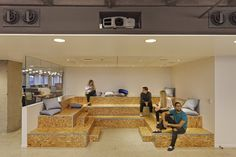 Office Tour: Varonis Offices – Phase 2 – New York City – Office lounge City Office, Office Lounge, Office Seating, Open Office, Office Decor, Architecture Panel, Architecture Office, Architecture Design, Drawing Architecture