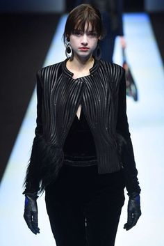 Giorgio Armani, Automne/Hiver 2018, Milan, Womenswear Giorgio Armani, Skin To Skin, Milan, Goth, Women Wear, Leather, Style, Fashion, Fall Winter