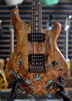 Knaggs Guitars Severn T3 Trembuck with inlaid Turquoise stone on Spalt Maple top #customguitars #acousticguitar