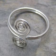 Sterling silver wire wrapped toe ring on Etsy. I want!
